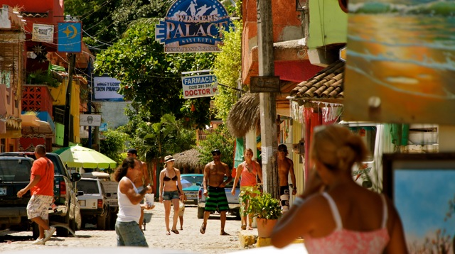 sayulita-downtown