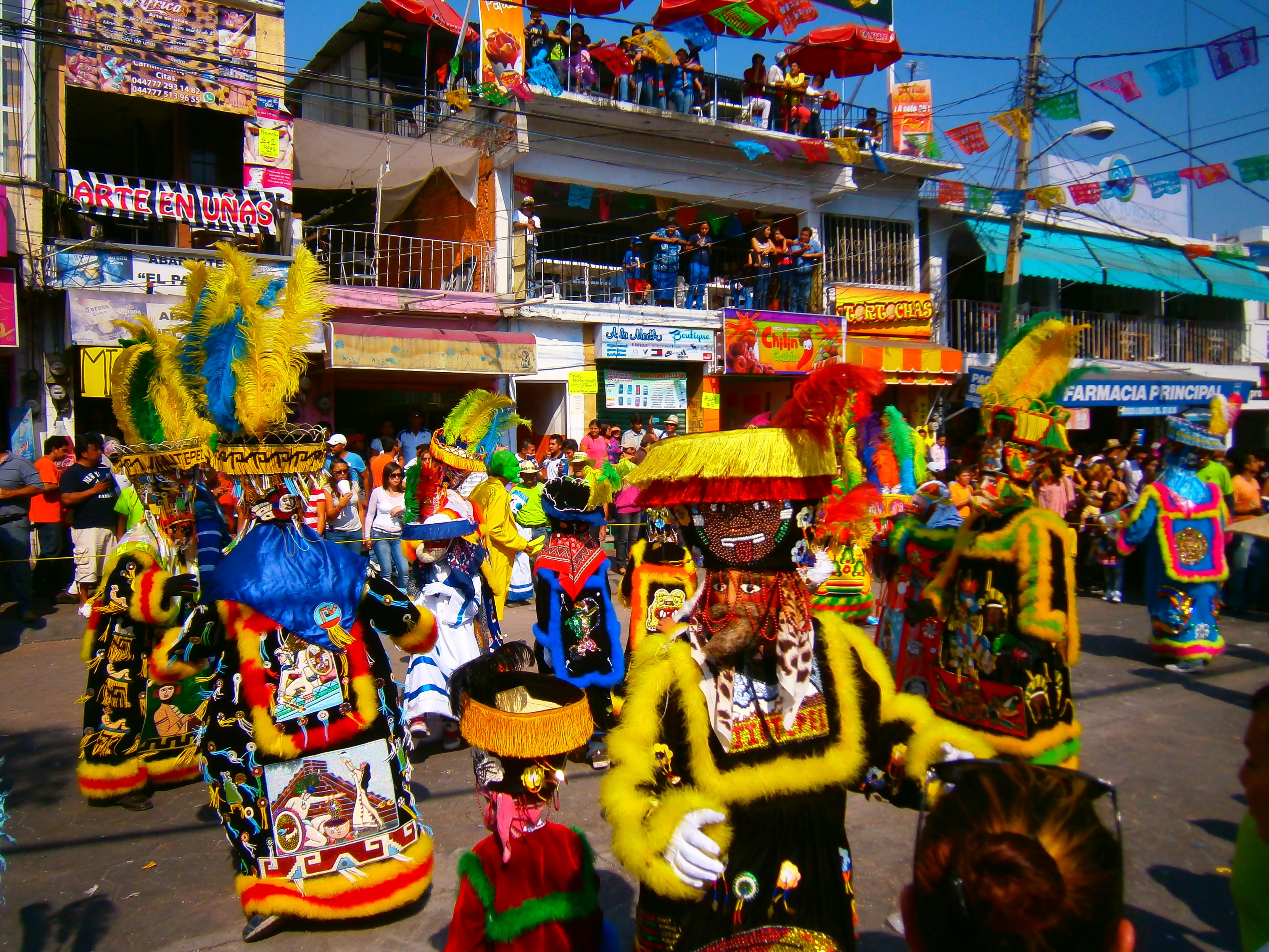 Diversas danzas y festivales se realizan durante el Carnaval de Tepoztlán